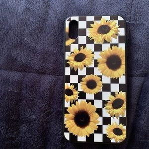 this is an iphone case for iphone xs max :)